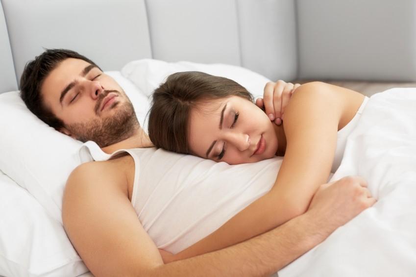 1. Kładziecie się spać o podobnej porze