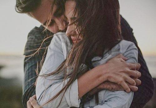 6. Przytulacie się gdy tylko wrócicie do domu z pracy