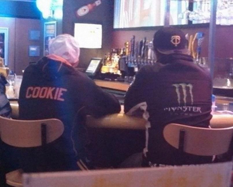 15. Ciasteczkowy potwór przy barze