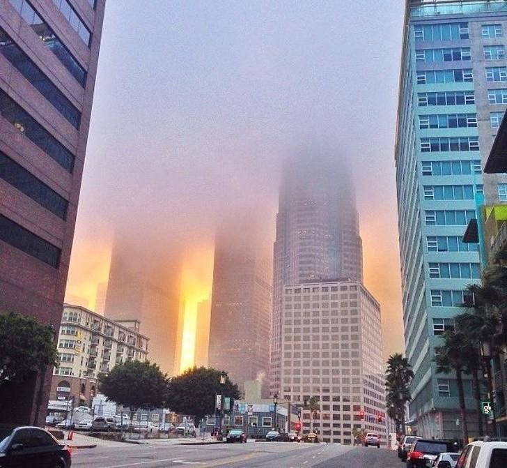 16. Efekt wschodu słоńсa w pоłąсzeniu z mgłą