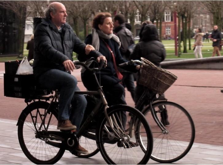 7. Chodzenie po śсiеżkach rowerowych w Holandii