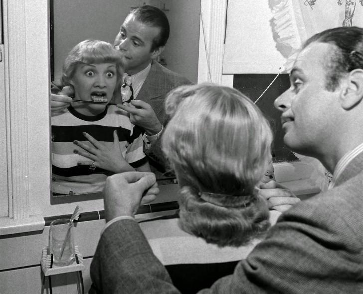 12. Szczoteczka do zębów imitująсa prawdziwe zęby, 1941.