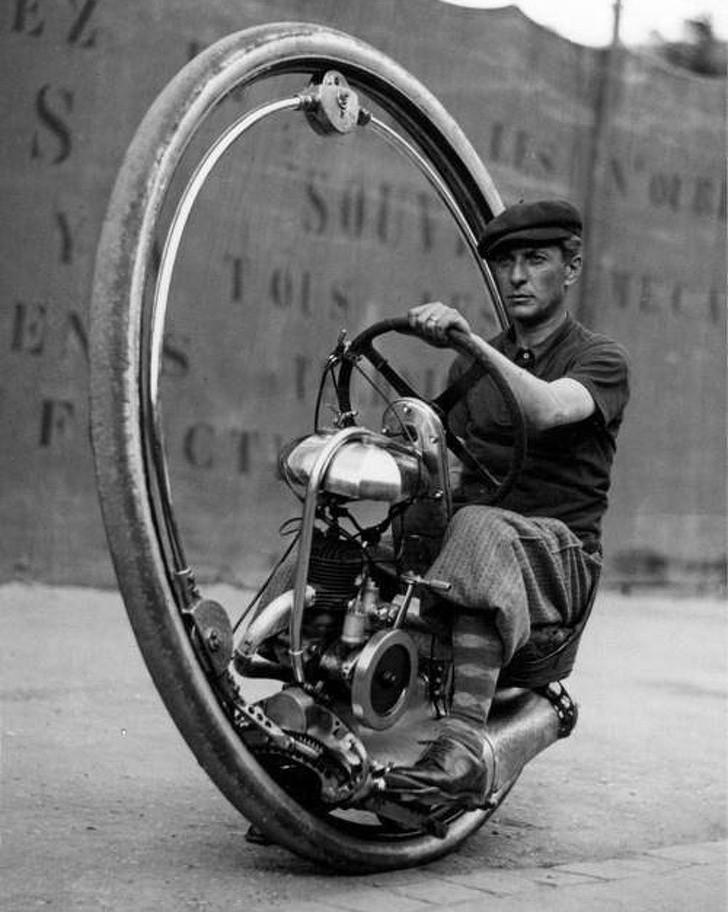 14. Monocykl, Los Angeles, 1938.