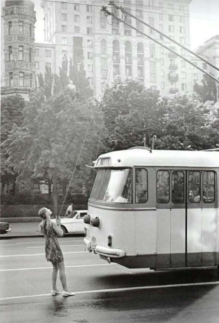8. Kierowca trolejbusa, 1975.