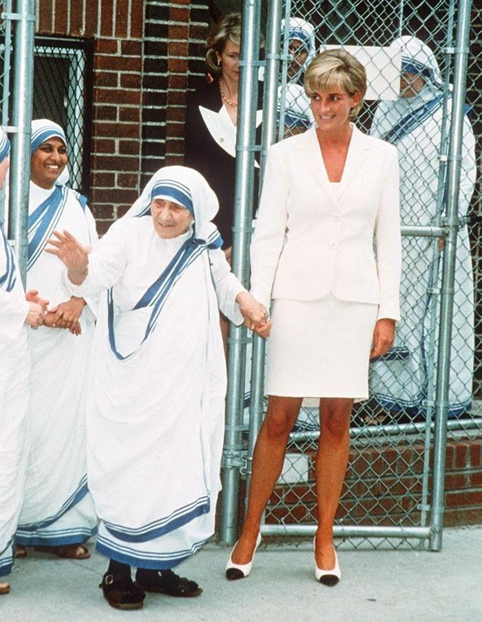 11. Księżna Diana i Matka Teresa zmarły w odstępie kilku dni w 1997 roku