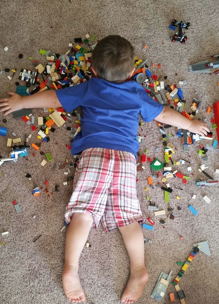 """""""Mój syn potrafi zasnąć w taki sposób. Zaczynam podejrzewać, że jest nieśmiertelny."""""""