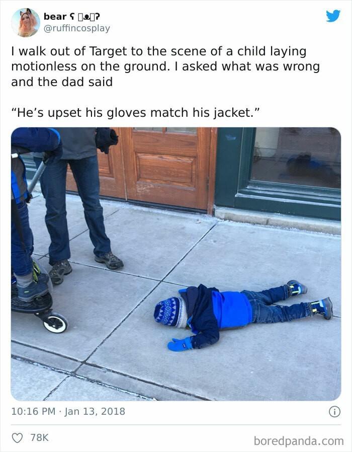 """""""Jest zdenerwowany, bo jego rękawiczki pasują do kurtki."""""""