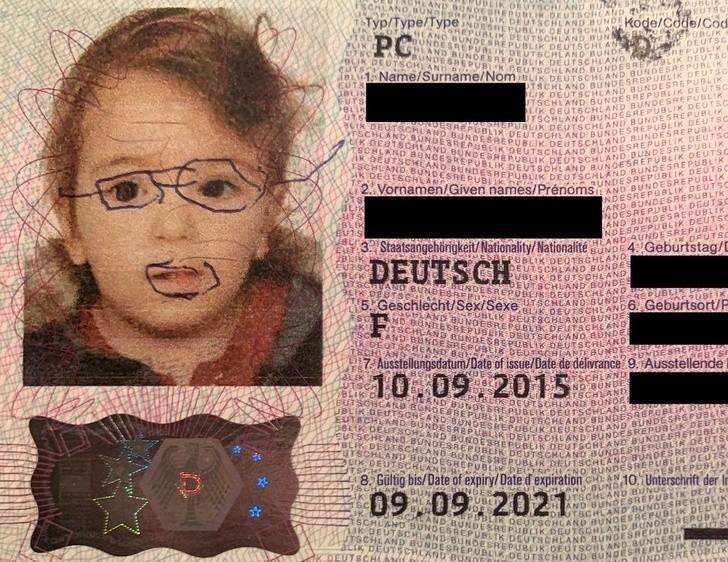 "4. ""Moja siostra porysowała swój paszport."""
