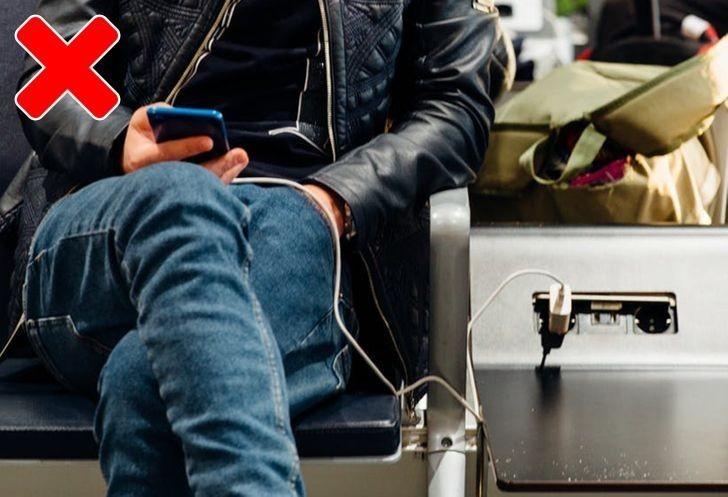5. Używasz telefonu podczas ładowania.