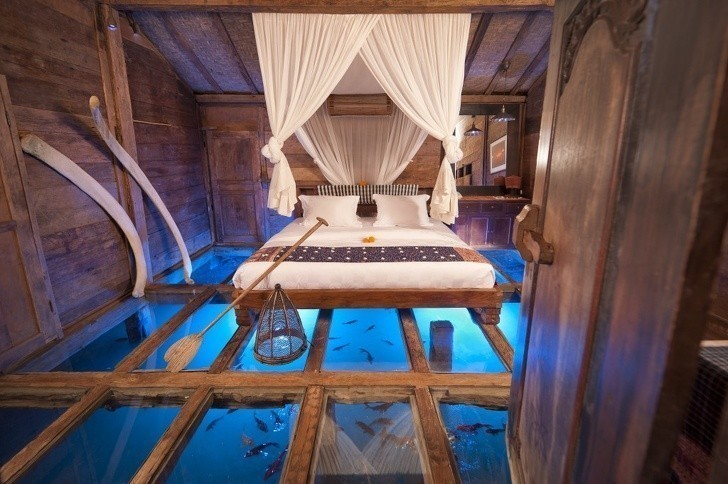 16. Sypialnia ze szklaną podłogą to krok bliżej do raju.