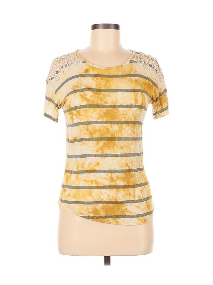 Koszulka, dzięki której możesz poczuć się jakbyś wylała na siebie butelkę musztardy